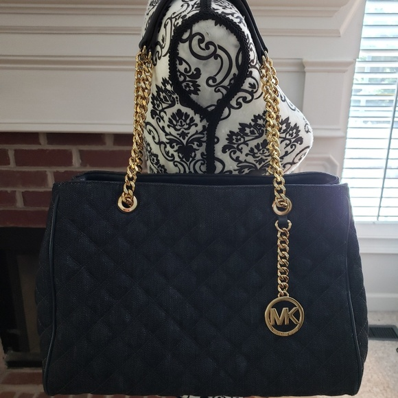 Michael Kors Handbags - Michael Kors Large Susannah handbag NWT